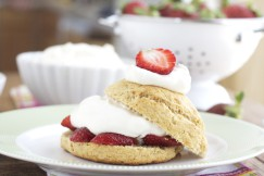 Whole-Wheat-Strawberry-Shortcake