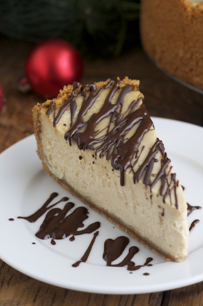 The pure maple flavor intertwined with cream cheese and sour cream in this maple cheesecake make for a knock-out dessert. I tried it out at a dinner party last week. The entire cheesecake was gone in a matter of minutes and the compliments overflowed.