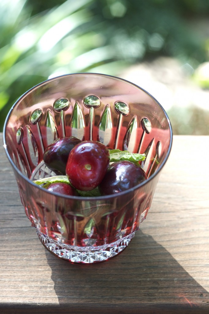 One of my favorite drinks is the cherry mojito. Lime, mint, rum and a splash of club soda make a refreshing way to cool off during the intense heat of summer. A few bright red cherries lend extra sweetness to the drink and make it a bit more festive.