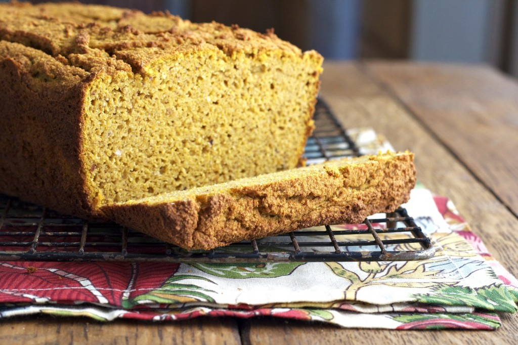 It's time for pumpkin bread! This grain free pumpkin bread freezes so well.