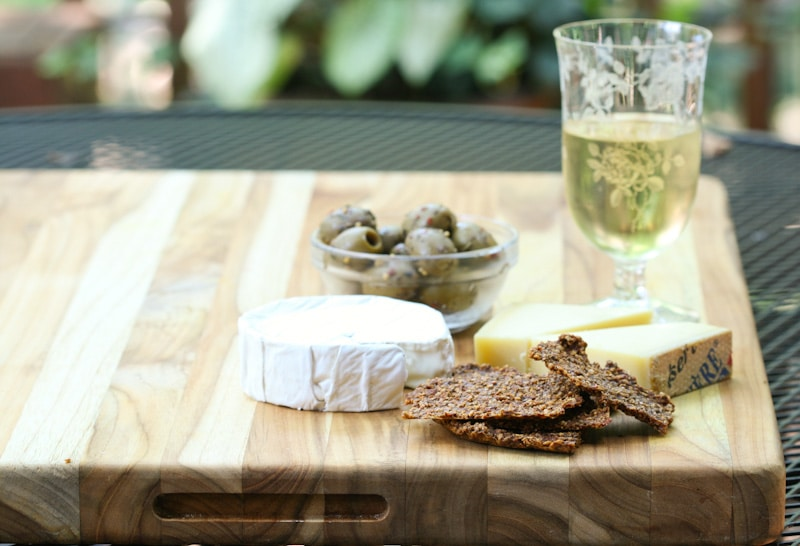 Bell Pepper and Seed Crackers via DeliciouslyOrganic.net  #paleo