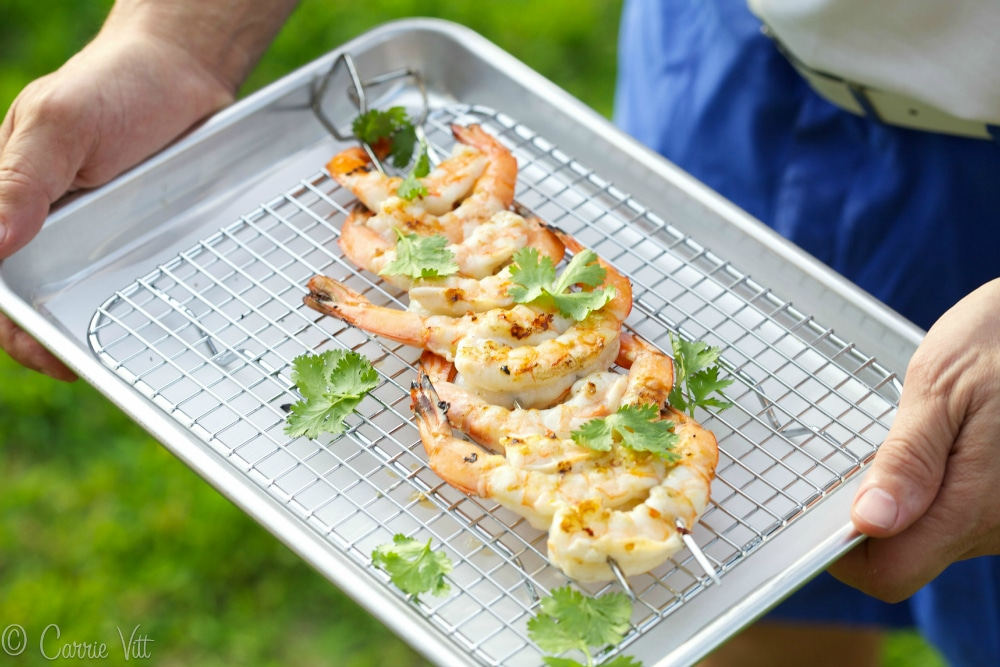 how to cook shrimp on the grill in a basket