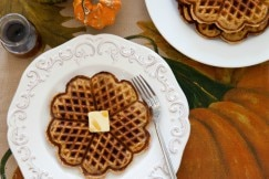 Pumpkin Spice Waffles h
