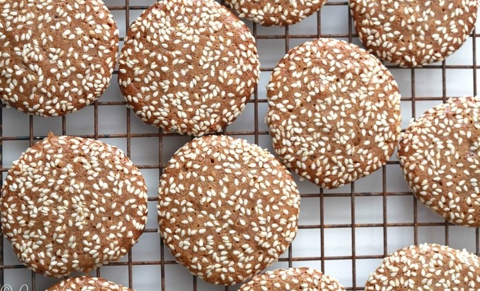 Sesame Cookies Recipe via DeliciouslyOrganic.net #grianfree #recipe