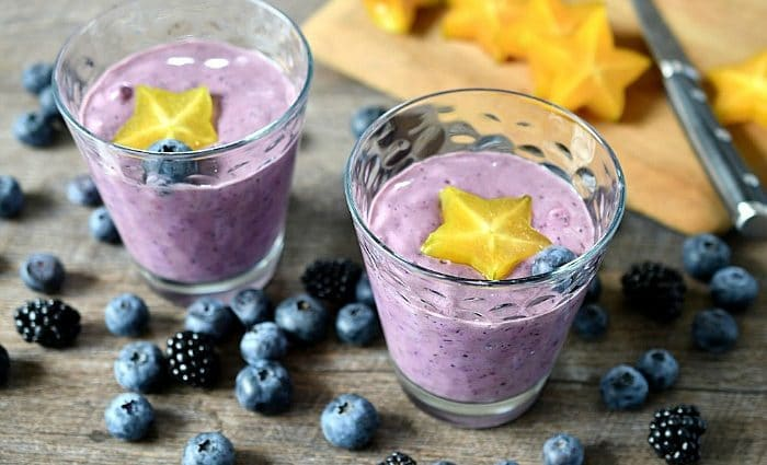 12 Healthy Ingredients to Add to a Smoothie